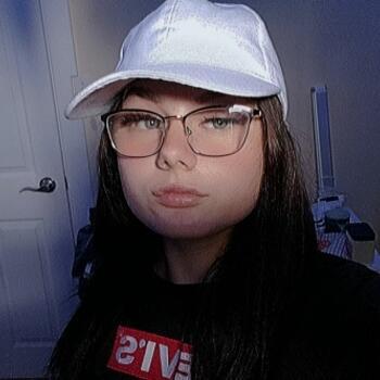 Babysitter in Edmonton: Emily