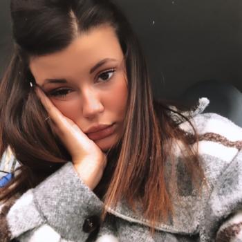 Babysitter in Maranello: Anita